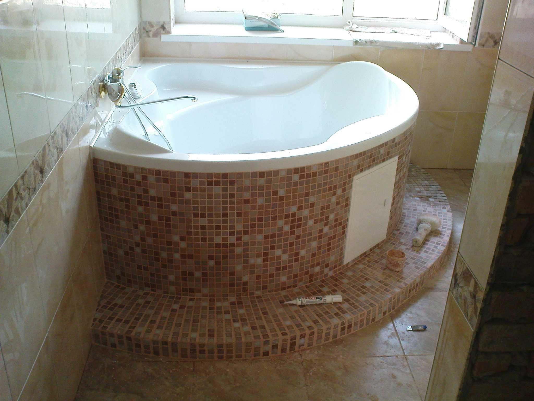 Установка акриловой ванны угловой своими руками