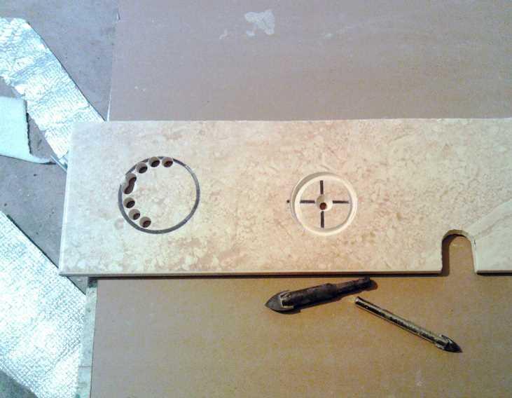 """Аккуратные отверстия выполнены сверлом-""""коронкой"""" с алмазным напылением Ванная комната: дизайн, ремонт и отделка"""