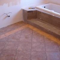 Как положить плитку в ванной на пол – этапы проведения работ, способы укладки