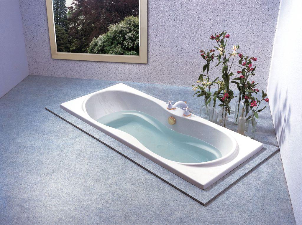 В частном доме для установки даже самой простой ванны гораздо больше вариантов