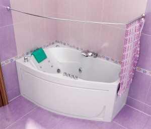 Край шторы должен находиться на 20 см. ниже края ванны