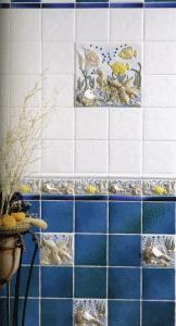 Бордюр и плитка с рельефным рисунком – отличный элемент декора, способный оживить даже банальное цветовое сочетание
