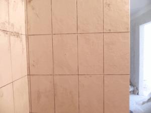 Криво и небрежно положенная плитка способна испортить самый творческий замысел