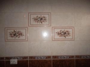Матовая плитка выглядит привлекательно и изысканно, но в уходе довольно сложна