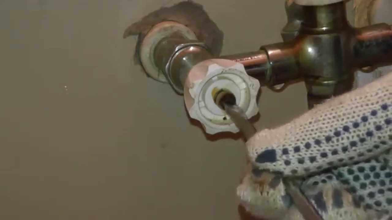 Качественная установка нового сантехнического прибора заключается в правильном демонтаже старого устройства.