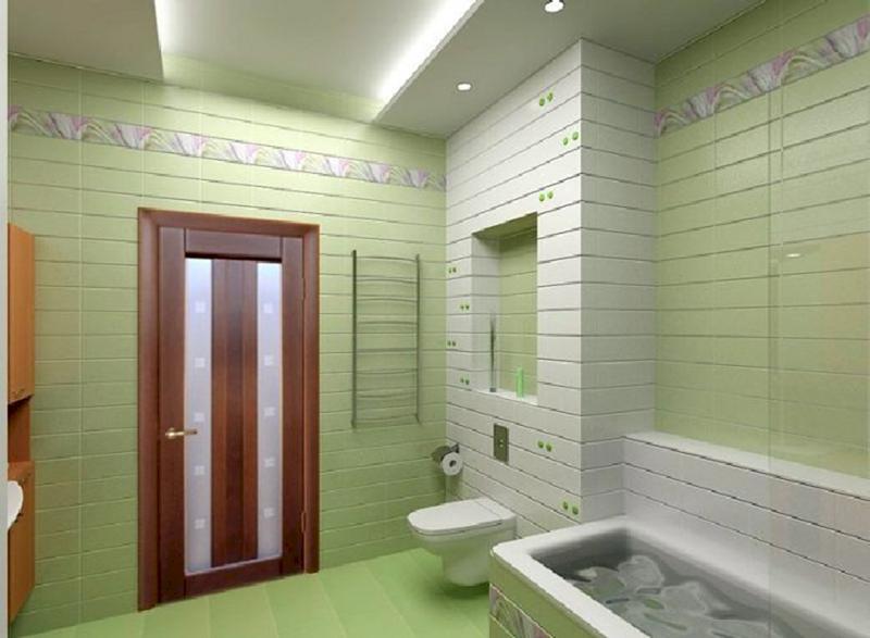 ванная комната с влагостойкой дверью